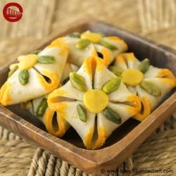 Hindusthan Sweets- Kaju Honton Sandesh (12 Pcs)